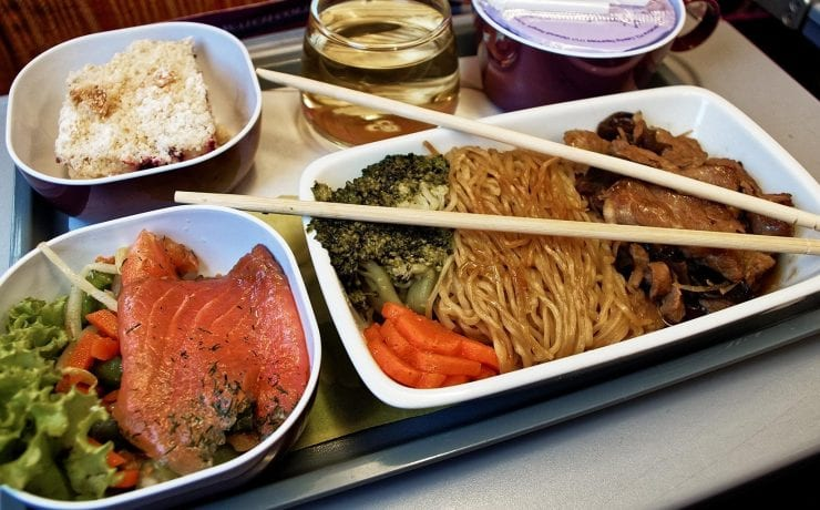 Thai Airays economy class meal, salmon salad with fried noodles and cake