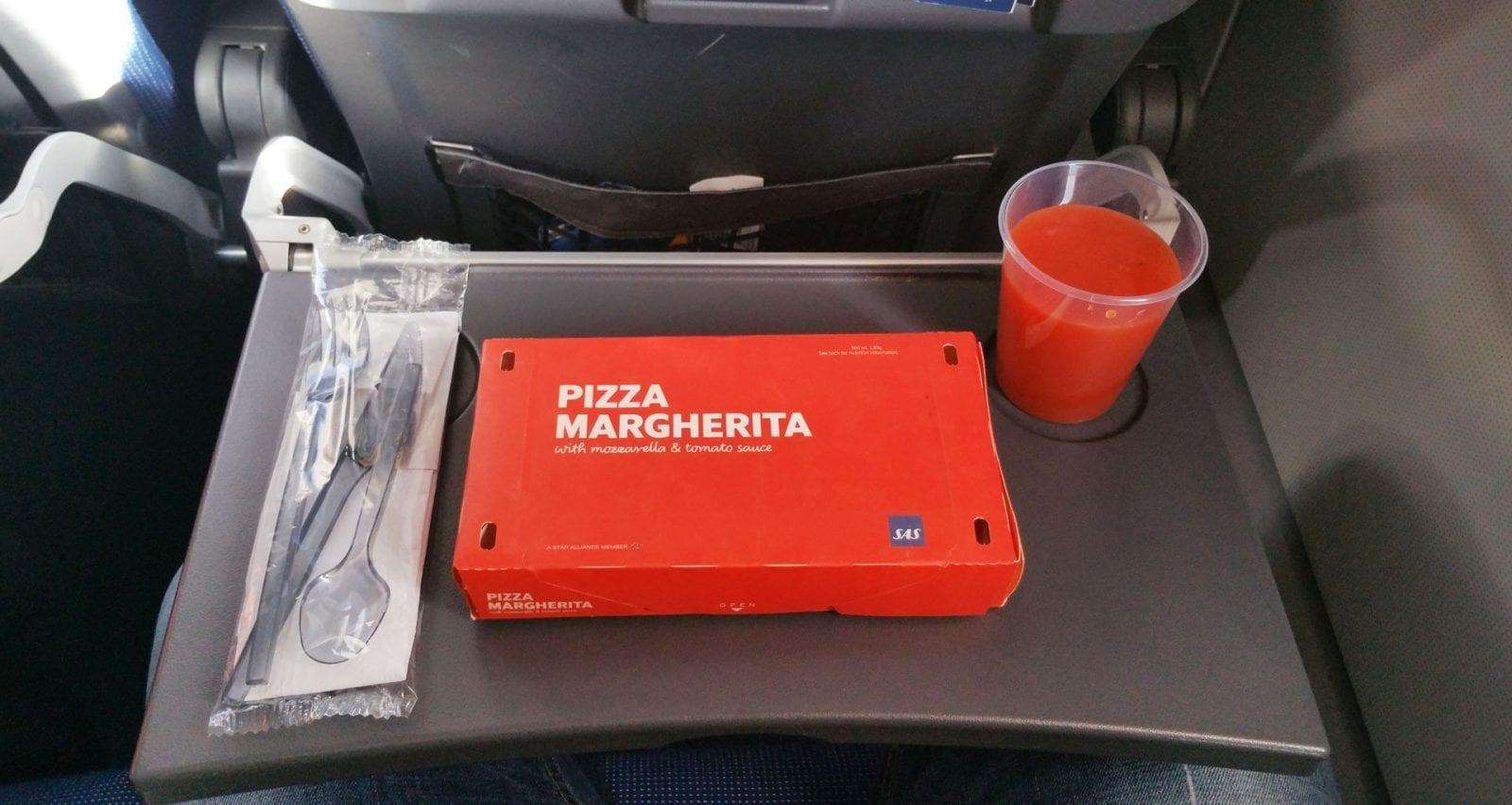 Sas Scandinavian airlines inflight pizza