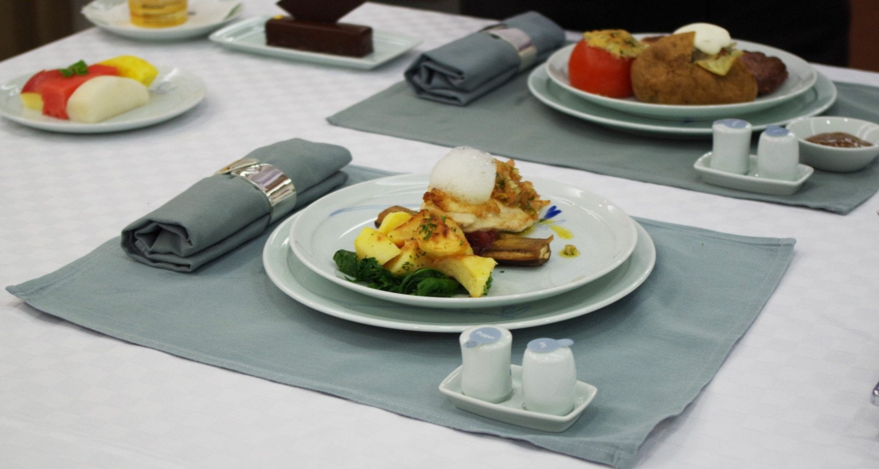 Korean Air First Class meals presentation