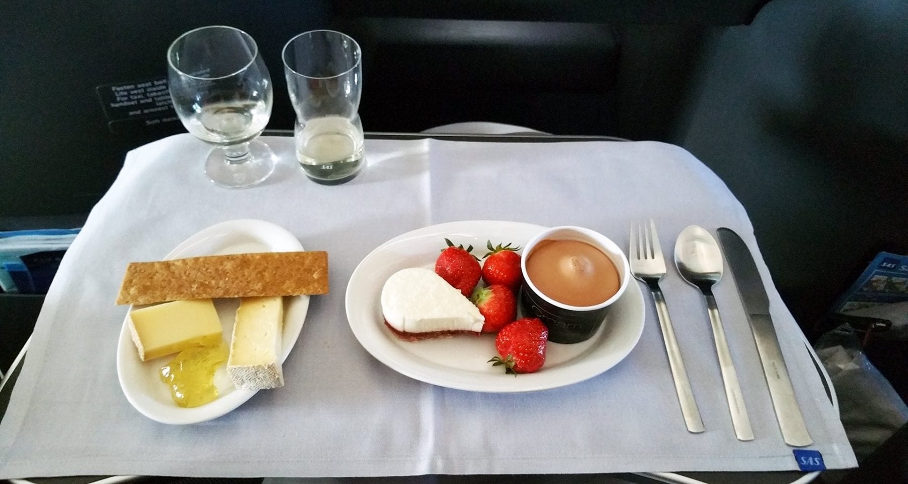 SAS Scandinavian airlines business class dessert icecream and cheese