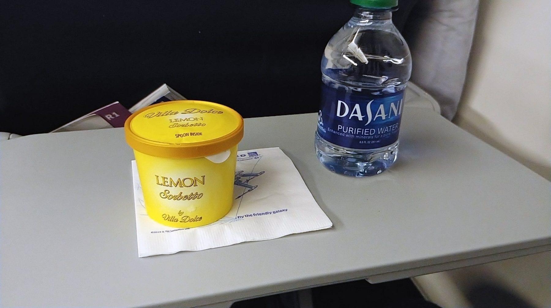 United Airlines economy class dessert