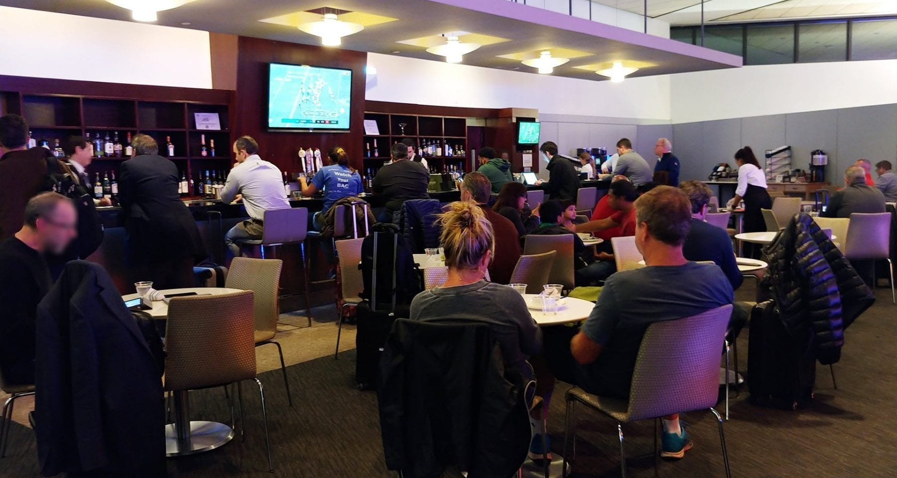 United Airlines Newark Lounge Bar Area