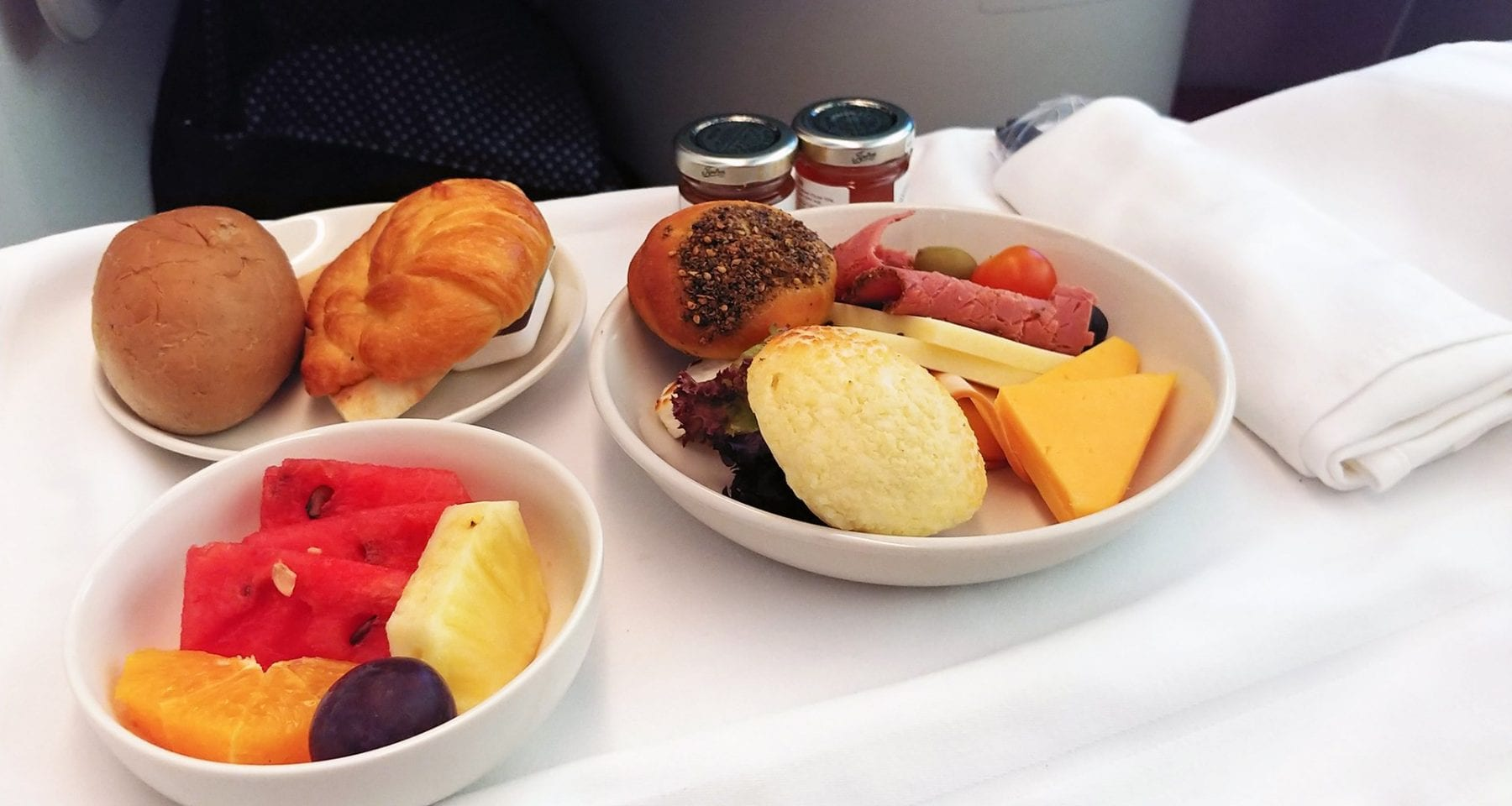 Royal Jordanian business class breakfast
