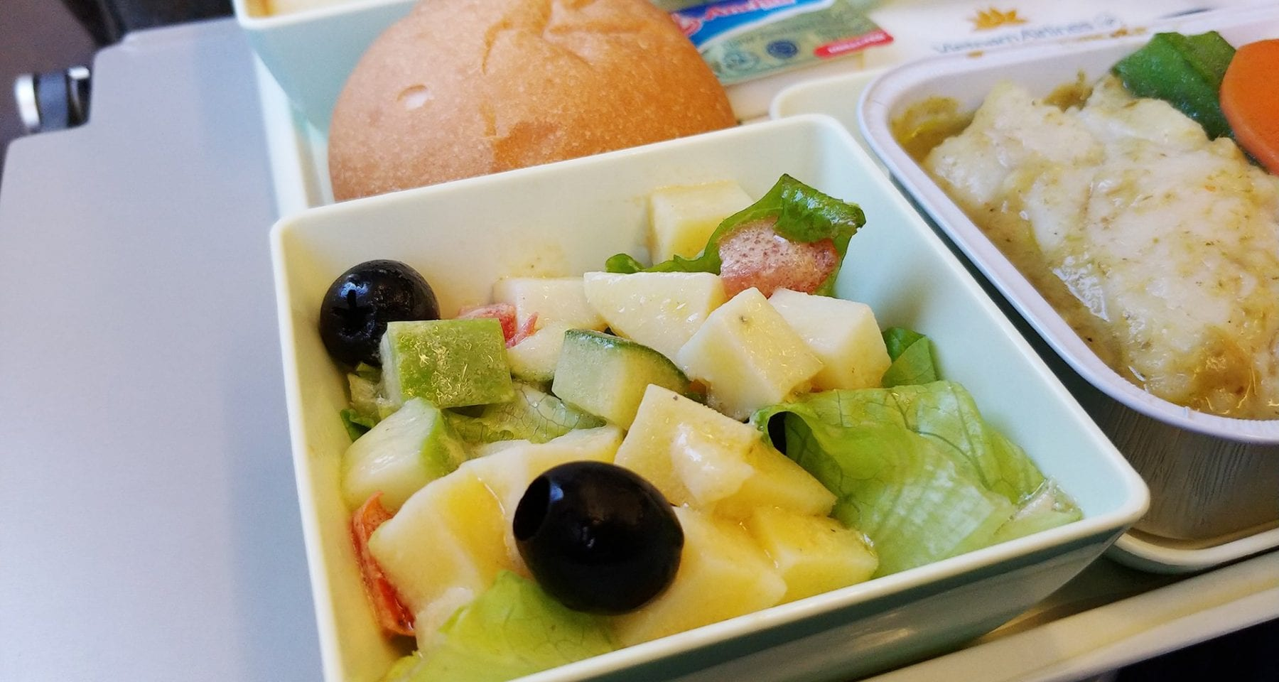 vietnam airlines economy class meal